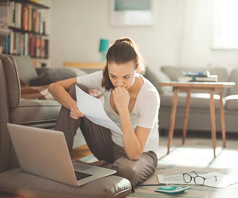 Woman worried on laptop thumbnail