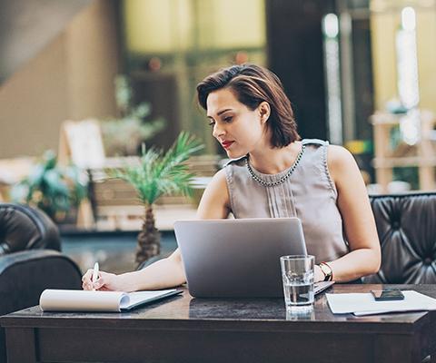 Woman on laptop thumbnail